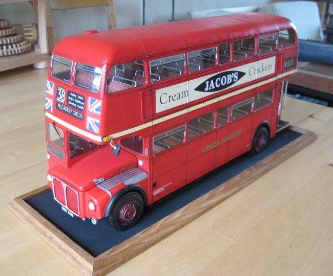 1 24 revell routemaster london bus by amanda jones. Black Bedroom Furniture Sets. Home Design Ideas